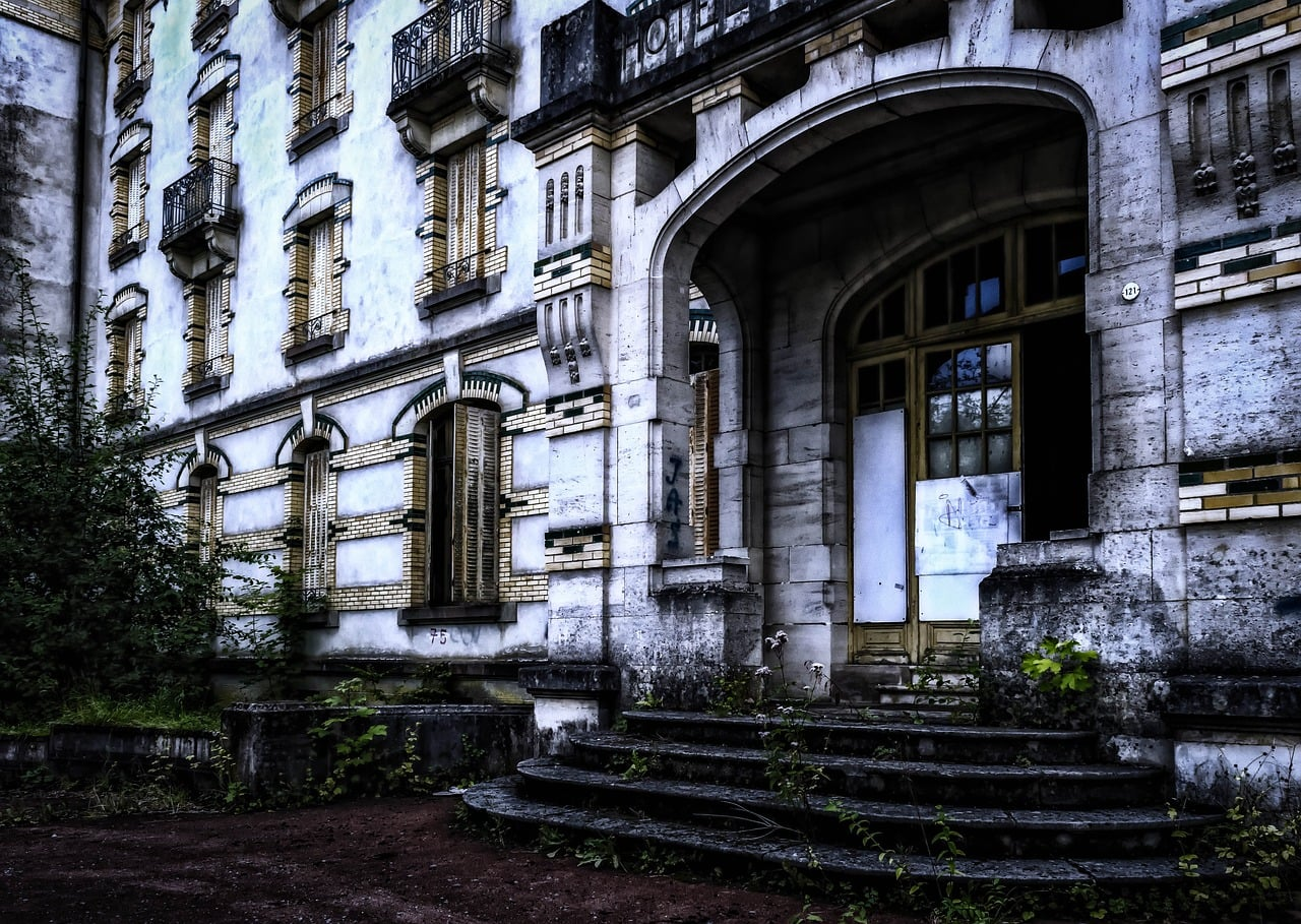Top 10 Creepiest Hotels In The World