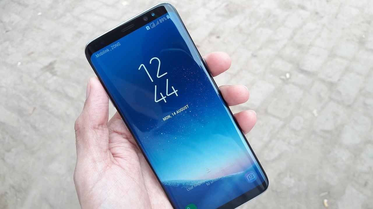 Galaxy S8 Users Unable To Disable Hard Press Home Button