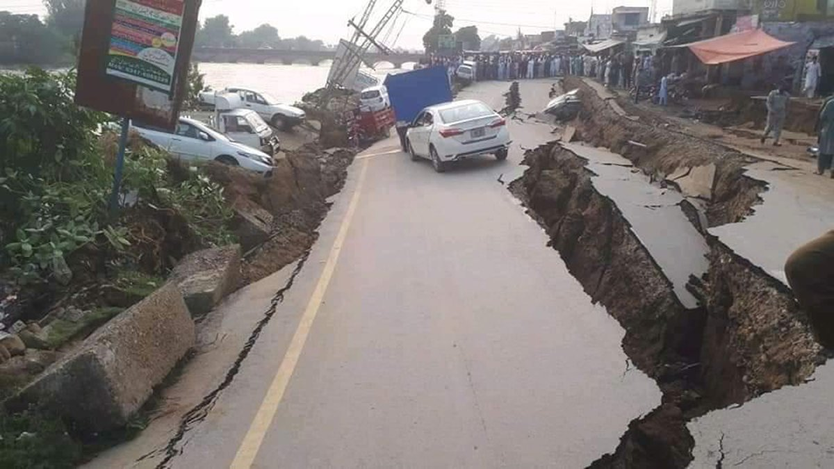Pakistan earthquake kills at least 19, injures another 100 ...